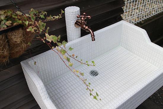 ガーデニング水栓柱 オシャレなタイル 施工事例 画像