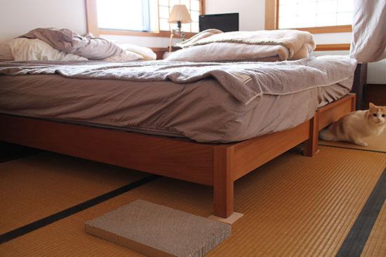 猫 爪とぎ防止 ベッドのマット 対策方法
