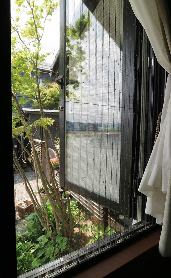 網戸 ユスリカ 蚊 びっしり 対策 駆除スプレー 効果