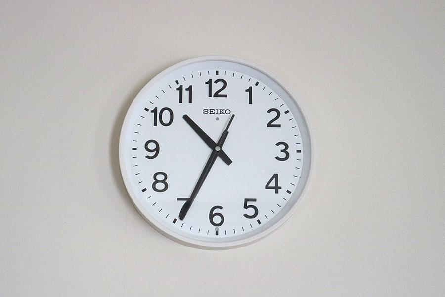 シンプル 壁掛け時計 電波 白 ホワイト